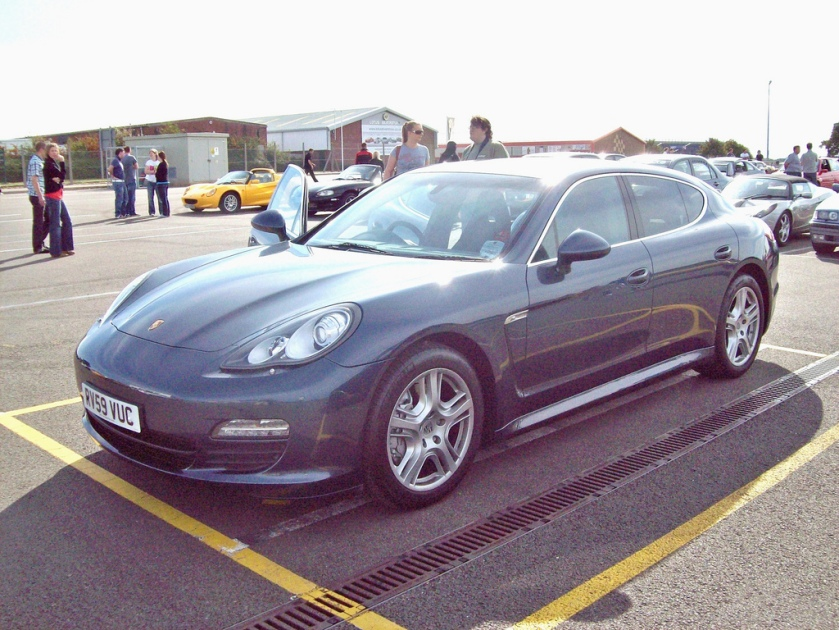 2009-on Porsche Panorama  Engine choice 3.6 litre V6 of 296 bhp, 4.4 litre V8 of 394 bhp, 4.8