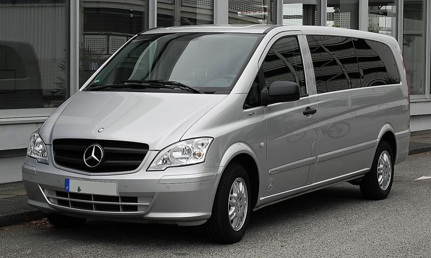 2011 Mercedes-Benz_Vito_Kombi_Extralang_116_CDI_BlueEFFICIENCY_(V_639)