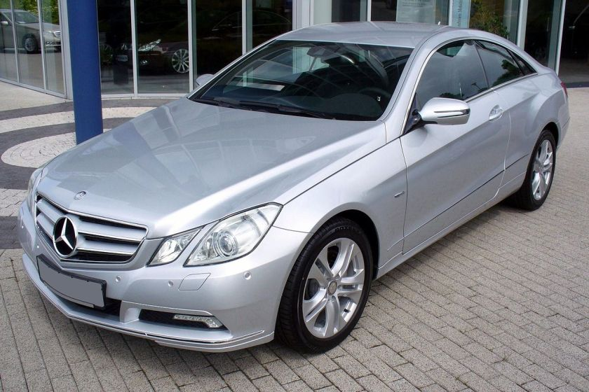 2012 Mercedes-Benz_C207_E_350_CDI_Iridiumsilber