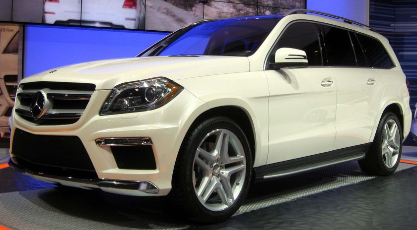 2013 Mercedes-Benz GL550 with sport body styling