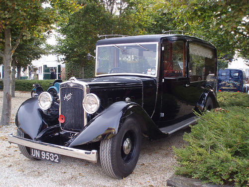 austin-six-hearse-09