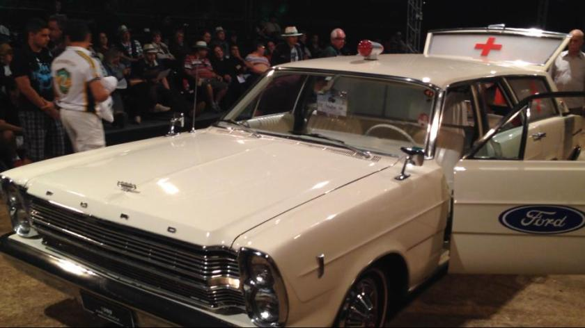 Brazilian Ford Galaxie Ambulance.b