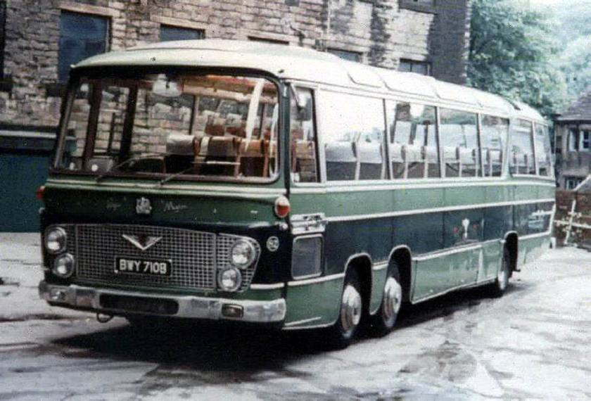 Bussen Bedford VAL14 Duple Vega Major C52F seats 1963 - 1976