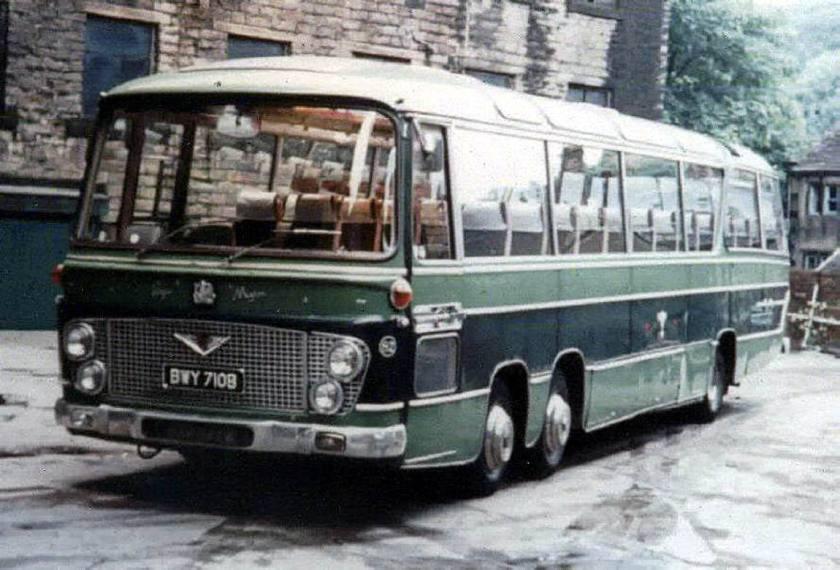 Bussen Bedford VAL14 Duple Vega Major C52F seats 1963 - 1976
