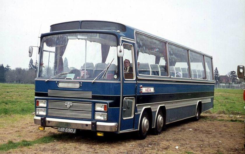Bussen Bedford VAL70 with Van Hool Vistadome C51F body 1971