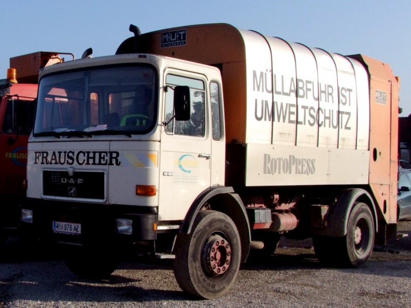 ÖAF 16.192 mit Müllaufbau