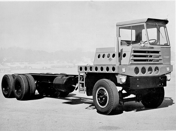 Diamond T Q Series 6-Wheel Chassis