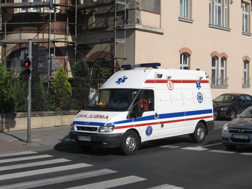 Ford Transit VI-based ambulance on Mickiewicza avenue in Kraków