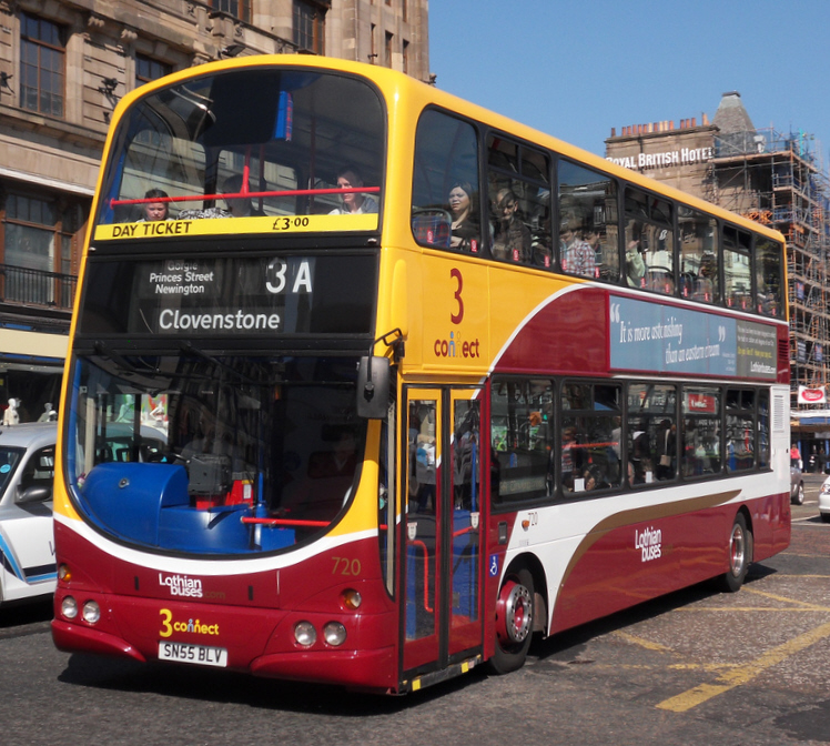 Lothian Buses Wright Eclipse Gemini bodied Volvo B7TL in Edinburgh in April 2010
