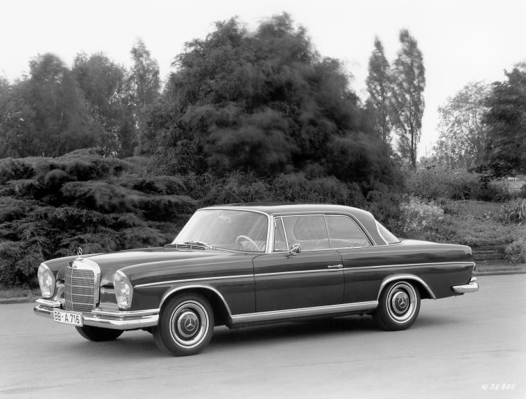 Mercedes-Benz 300 SE Coupe (W112)
