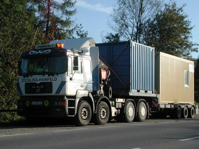 OeAF Schwerlastzugmaschine mit Kran Zoechling LF955AE 1