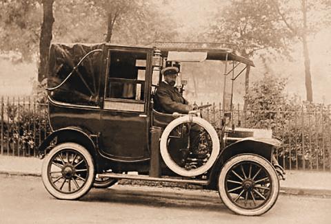 1911 Unic Landaulette Taxi