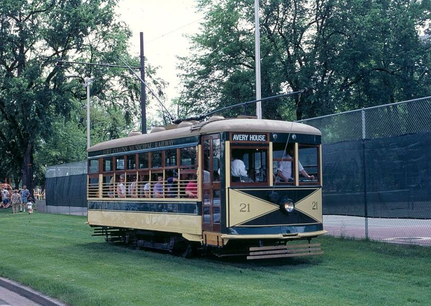 1919 Fort_Collins_streetcar_21_at_City_Park_(1987)