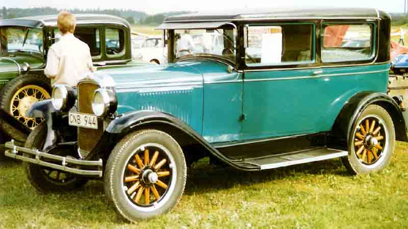 1928 Pontiac New Series 6-28 8240 2-door Sedan