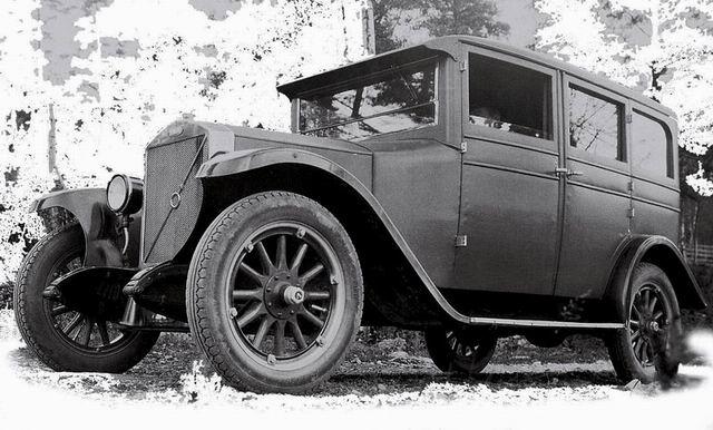 1928 Volvo PV4 2