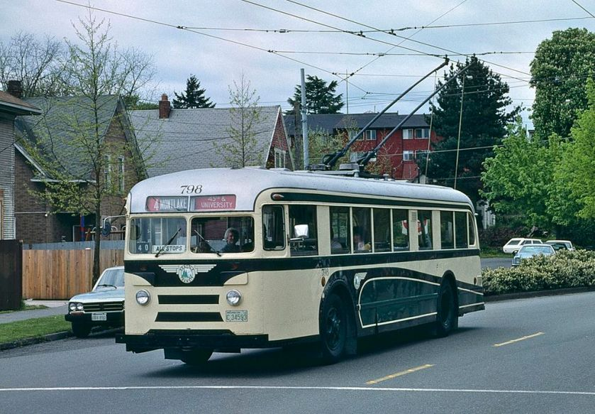1940 Seattle_1940_Brill_trolleybus_798_in_1990