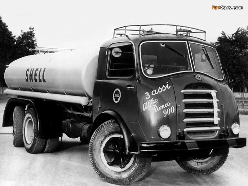1946-54 Alfa Romeo 900 6x4 Tanker