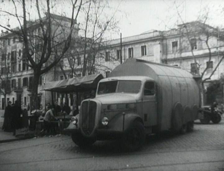 1948 Alfa Romeo 350 in Nettezza urbana, Short Movie.