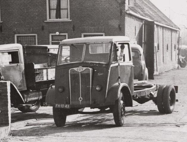 1948 Guy Vixen truck