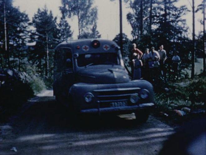 1948 volvo-pv-834-ambulans-02