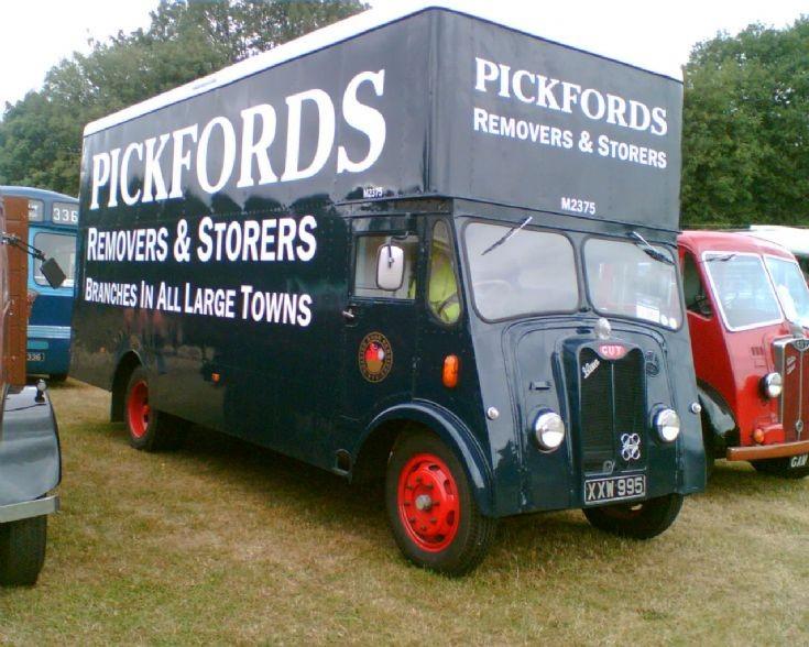 1950 Guy Pickfords