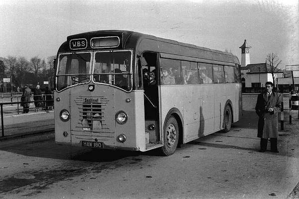 1950 Sentinel STC4-40 with a Sentinel B40F body  zzhaw180