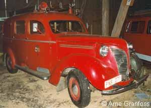 1951 Volvo PV824 1