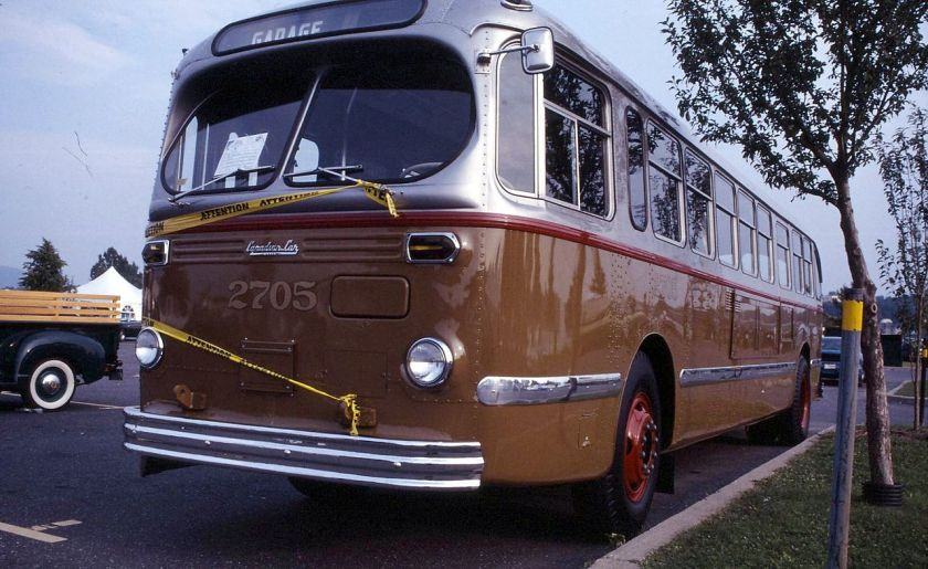 1952 Restored_Montreal_Transit_comission_1952_Canadian_Car_Brill