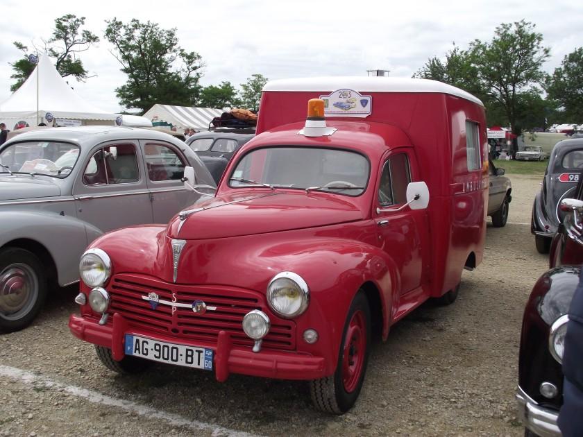 1953 Ambulance Peugeot 203