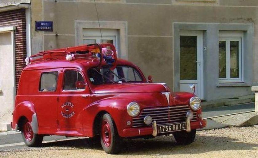 1954 Peugeot 203 (2)