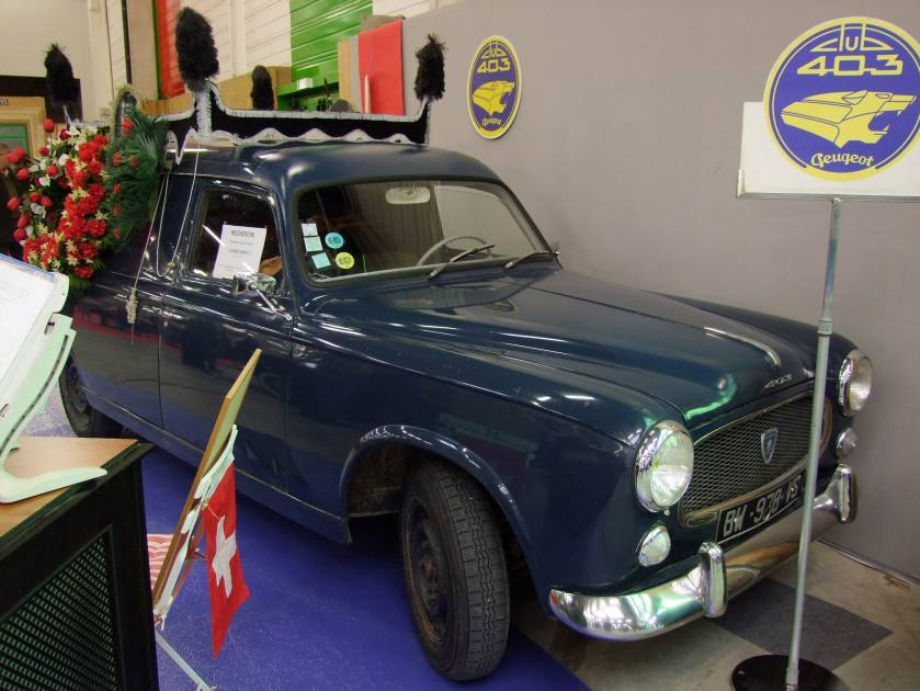 1955 Peugeot 403 tolée corbillard