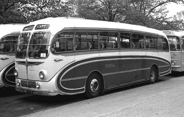 1955 Sentinel SLC6-30 with a Burlingham Seagull C41C bodyzzowu772