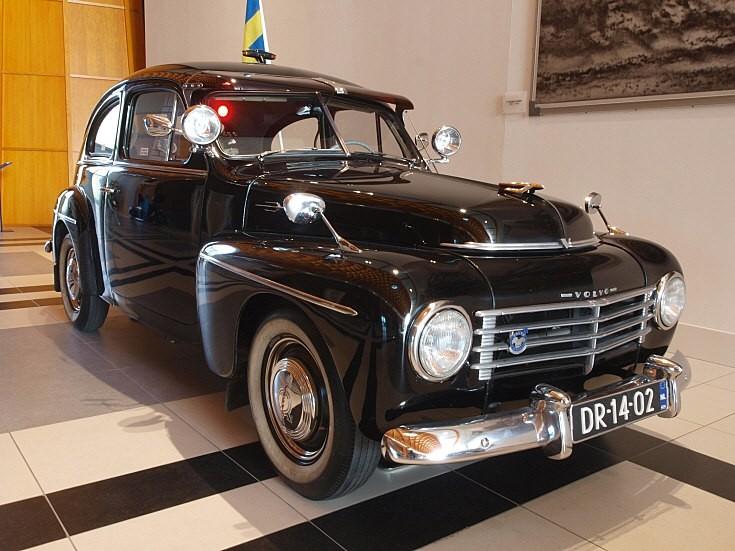 1956 Volvo PV444 (2)