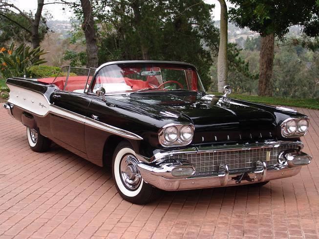 1958 Pontiac Chieftain a