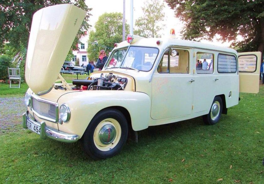1958 Volvo 140 Duett Ambulance a