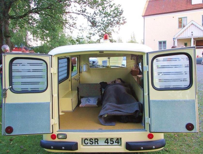 1958 Volvo 140 Duett Ambulance b