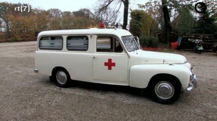 1958 volvo-pv-445-ambulans-02