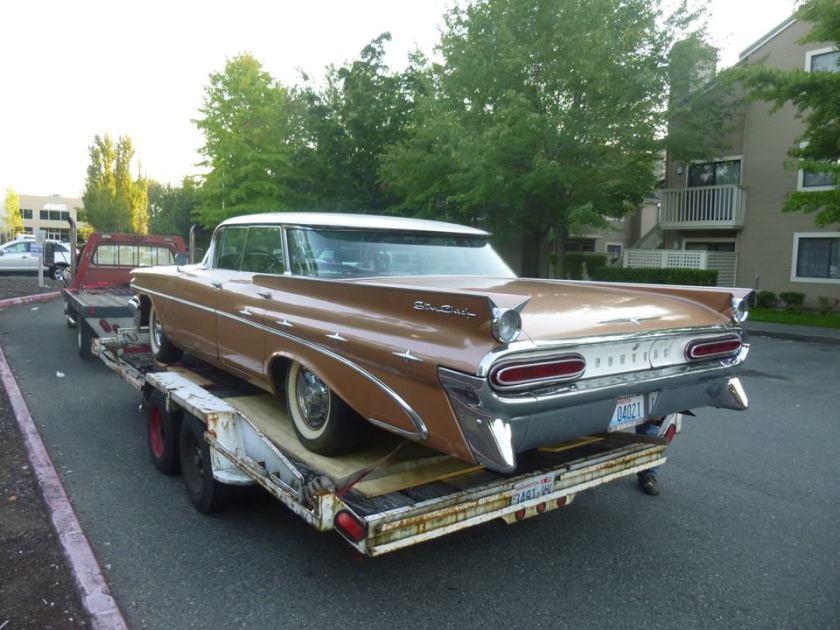 1959 Pontiac Star Chief Going Door To Door
