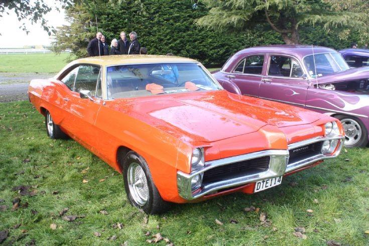 1960 Pontiac (2)