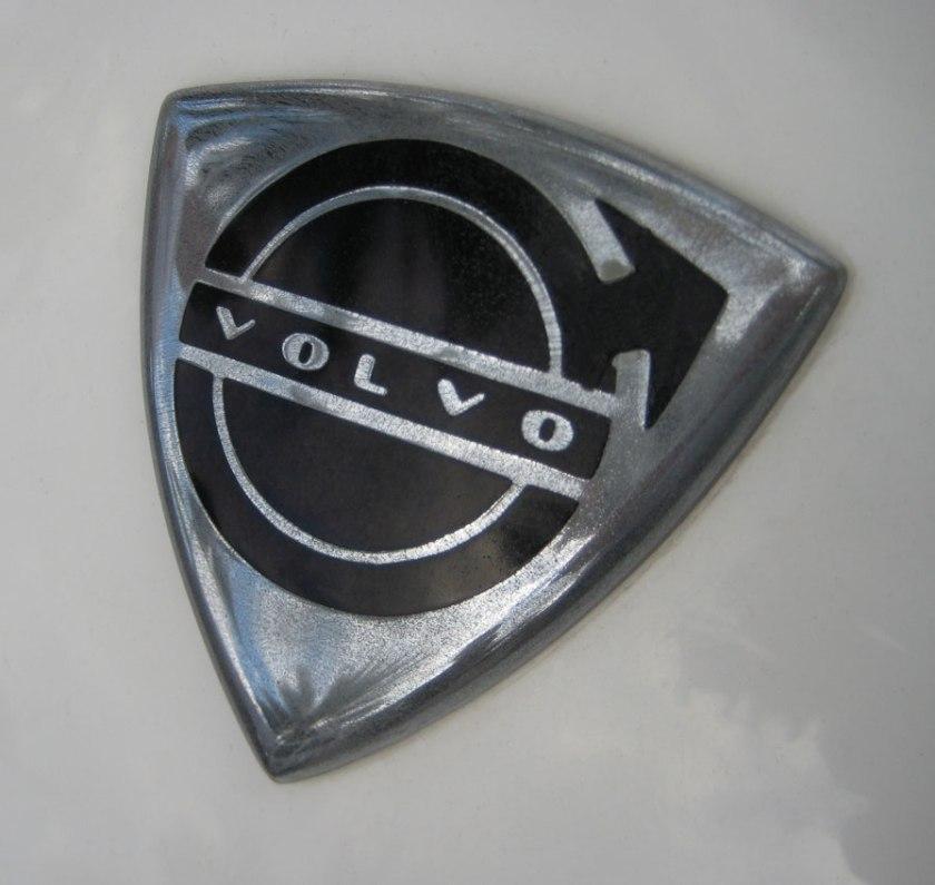 1961 volvo_logo_p1800_emblem_sm_64
