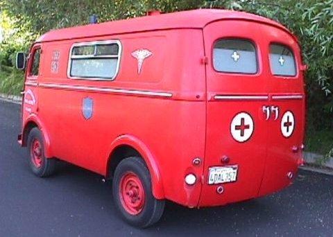 1962 peugeot-404-ambulance-09