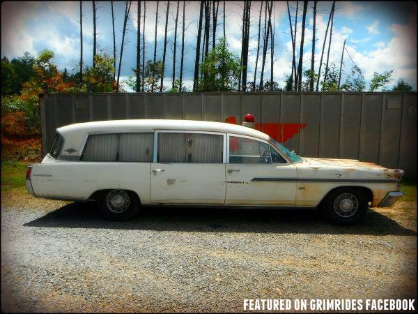 1963 Pontiac Bonneville Superior Combination Hearse