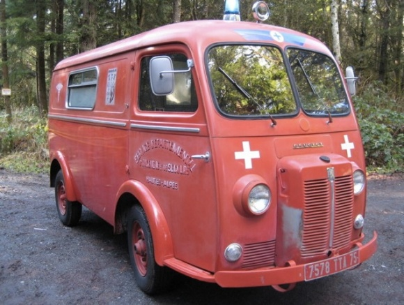 1964 Peugeot D4B Ambulance panel bus