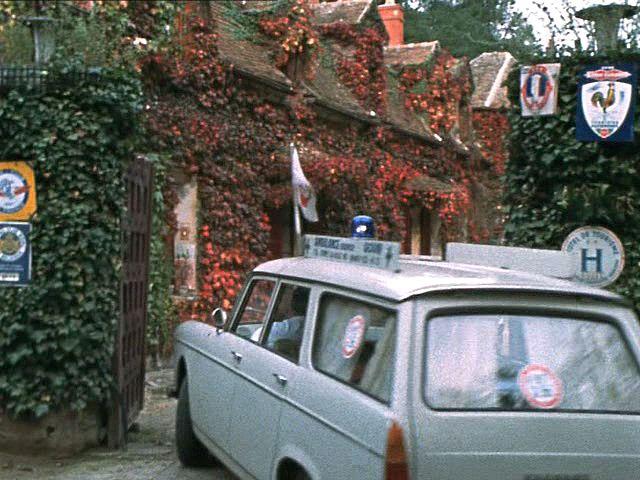 1966 peugeot-404-ambulance-05