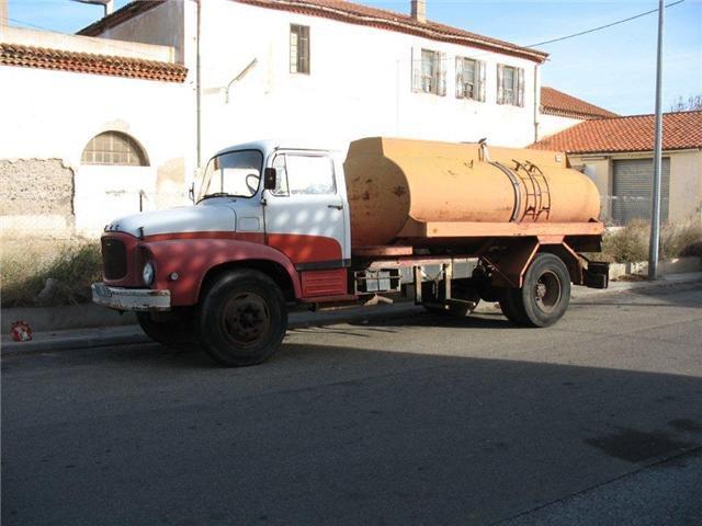 1966 UNIC Belfort pinardier conservé dans son jus dans la région de Perpignan