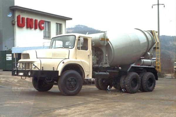 1967 UNIC 2764 en 6x4
