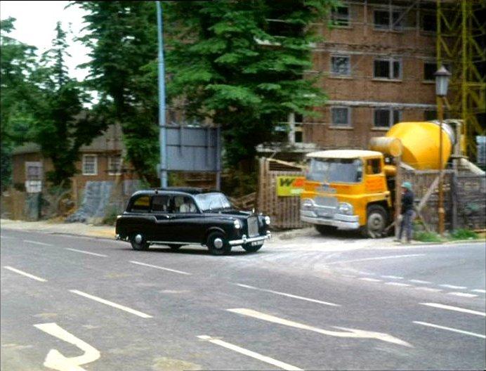 1968 Guy Invincible Mk.II Cement mixer