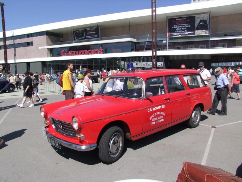 1968 Peugeot 404 break ambulance pompiers