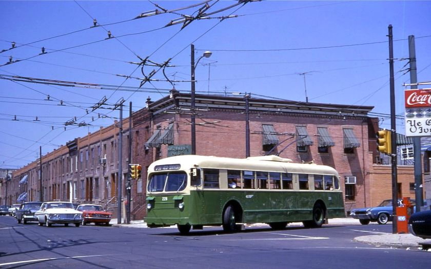1968 Philadelphia_Brill_trolley_bus_228_turning_at_23rd_&_Snyder