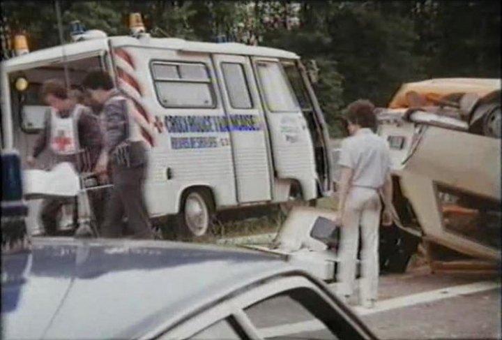 1981 Peugeot J7 Ambulance d